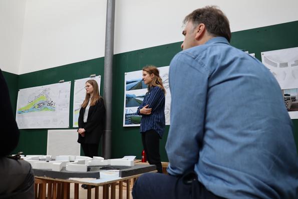 Dec 2018 – Jan 2019 Midterm Critics and Final Critics at the Uni Li
