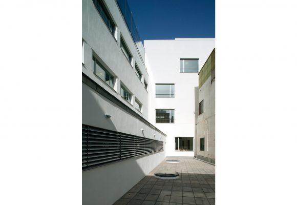 1998-2003 Clinic Santa Isabel. ASISA, Seville